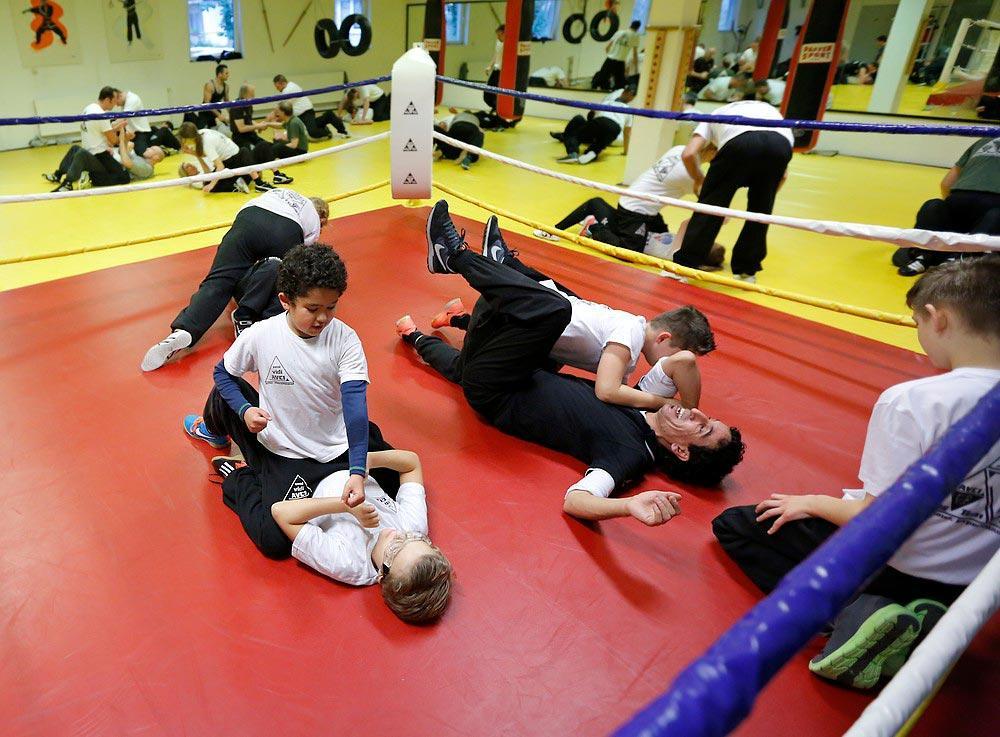 kinder_trainieren_im_ring